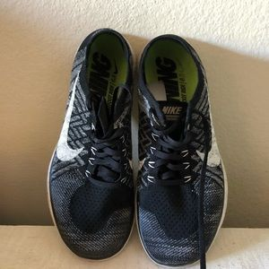 Nike running shoes 9.5